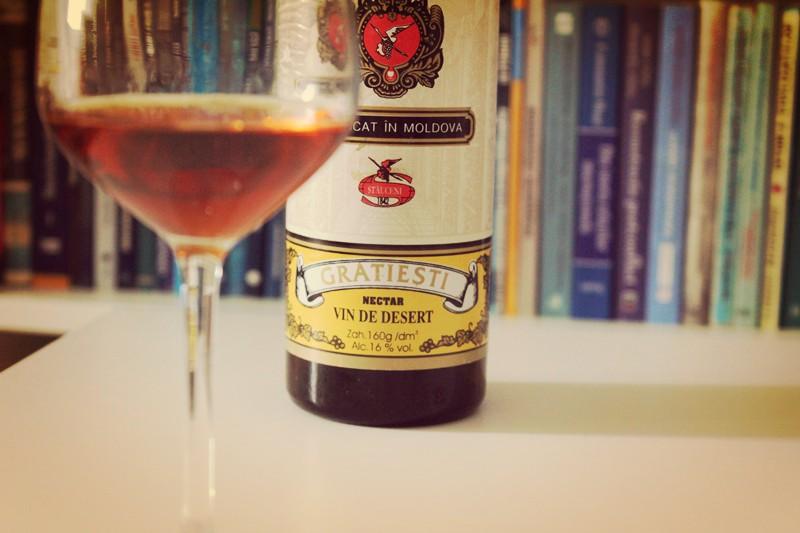 Stauceni vinuri – Gratiesti vin alb licoros, de colectie?
