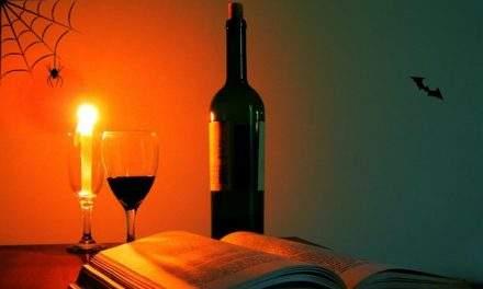 Povestea cu vin de Halloween