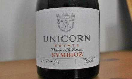 Unicorn Estate vin Symbioz. Pinot Noir 2009