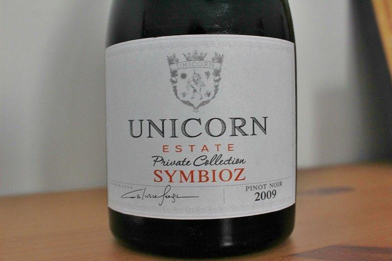 Unicorn Estate vin Symbioz. Pinot Noir 2009