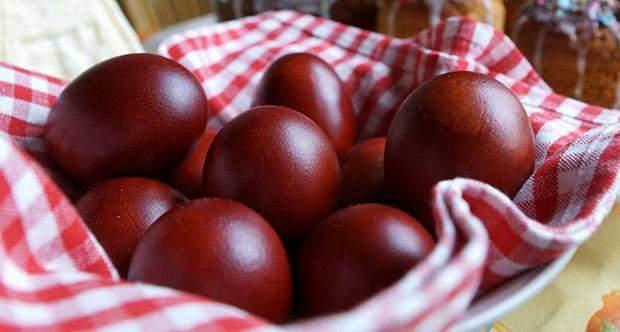 ouă roșii