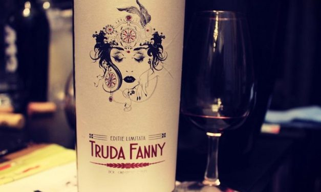 Truda Fanny vin elegant pentru momente frumoase