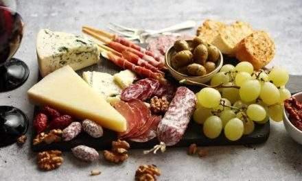 Idei de platouri gustoase asociate cu vinuri